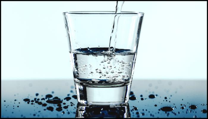 Drinkglas met water