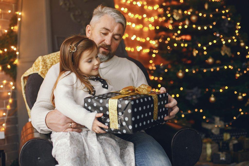 Samen kerst vieren met cadeautjes