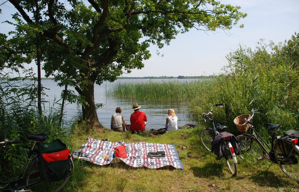 Vakantiegevoel tijdens lockdown: fietsen en picknicken in Nederland